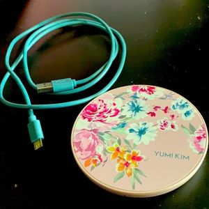 Yumi Kim wireless charger